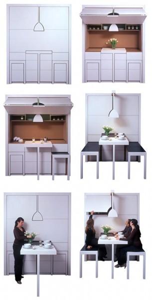 А здесь кроме кухонного оборудования и мест хранения есть и стол с лавками