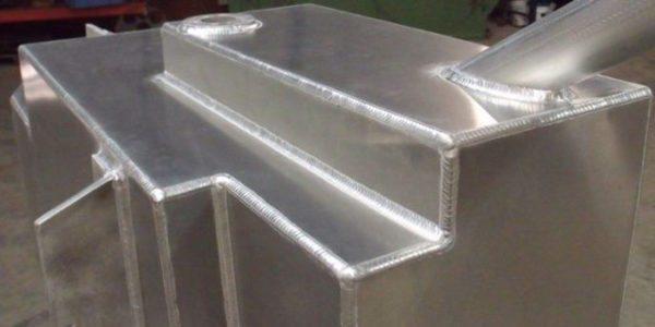 Алюминий намного лучше варится при обратной полярности тока