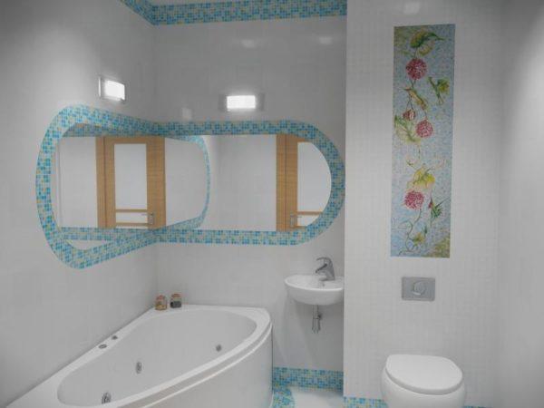 Бра помогут декорировать помещение и подсветить функциональные зоны санузла