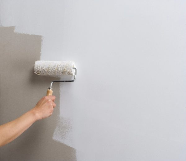 Ceresit СТ 16 позволяет закрашивать стены перед финишной отделкой