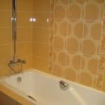 Чем отделать стены в ванной: рекомендации опытных специалистов