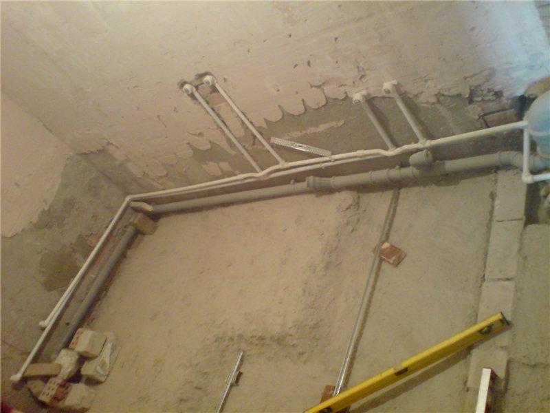 Оштукатуривание стен своими руками в ванной