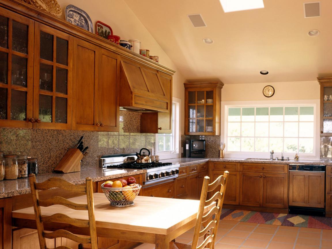 Кухня своими руками в загородном доме