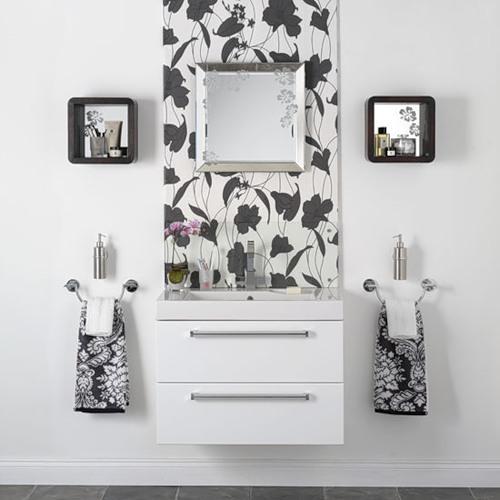 Оригинальные зеркала в ванной комнате