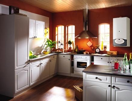 Дизайн кухни с колонкой.