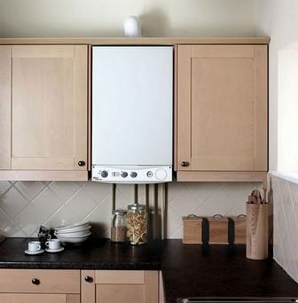 дизайн кухни с колонкой