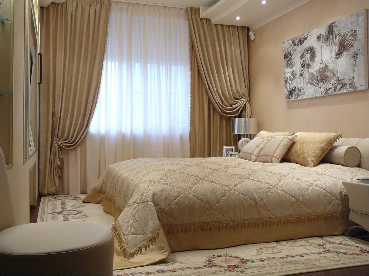 Шторы для спальной комнаты