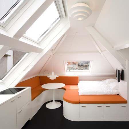 Дизайн спальни мансардной