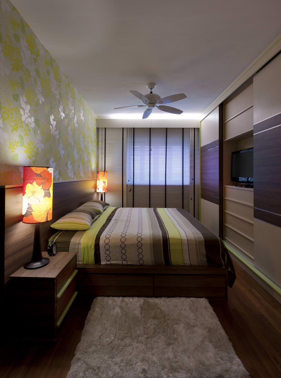 Дизайн продолговатой комнаты
