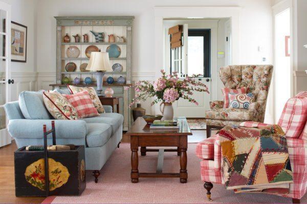 Дизайн дома в стиле кантри не потерпит вычурности, обилия блеска и глянца