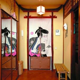 Дизайн прихожей в японском стиле – яркий пример того, как можно с помощью цвета стен, элементов отделки и мебели преобразить обычную прихожую