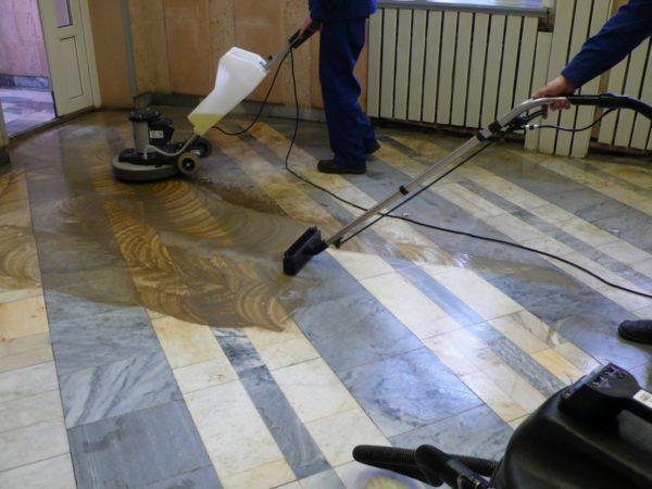 Для качественной полировки больших площадей нужно использовать специальное оборудование — только так результат будет приемлемым