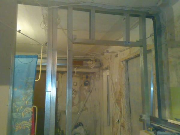 Дверной проем формируется на этапе строительства каркаса.