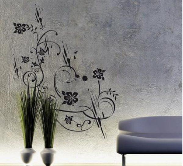 Есть нечто общее между изящными линиями настенного декора и трав
