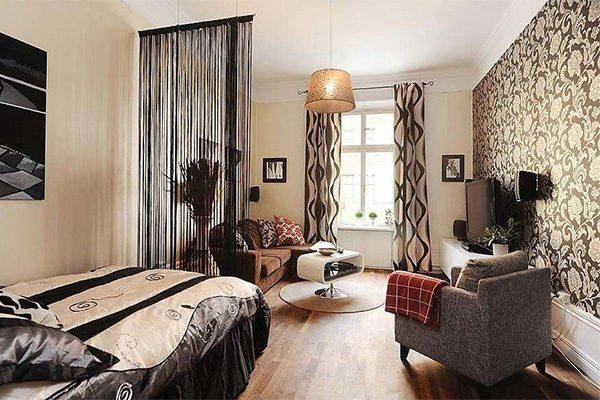 Гардины и шторы должны соответствовать интерьеру помещения