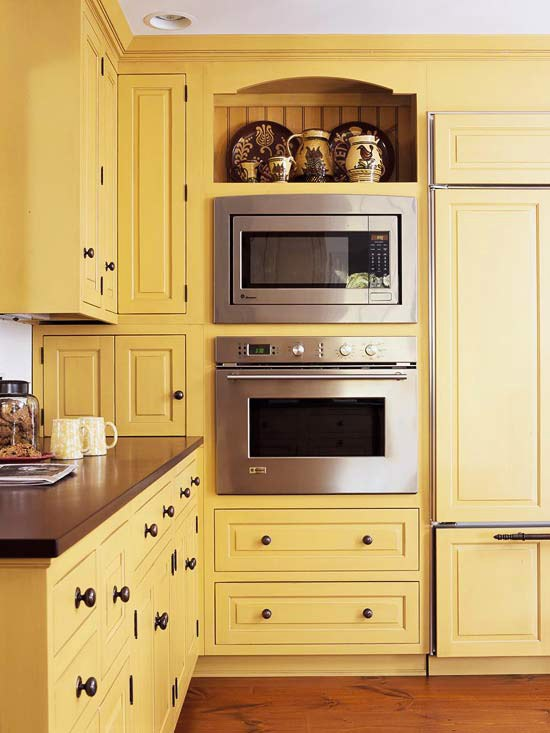 интерьер кухни в светлых тонах