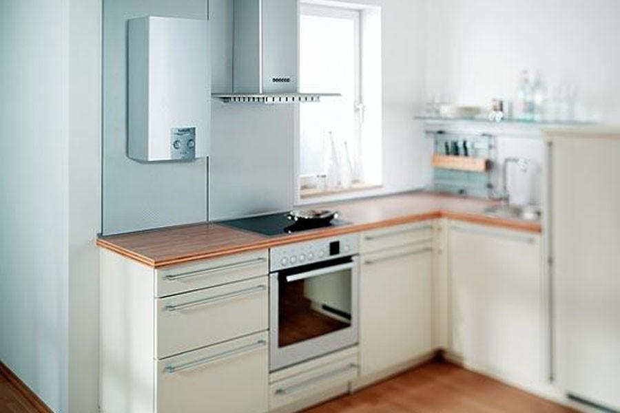 Дизайн кухни с газовым котлом. фото