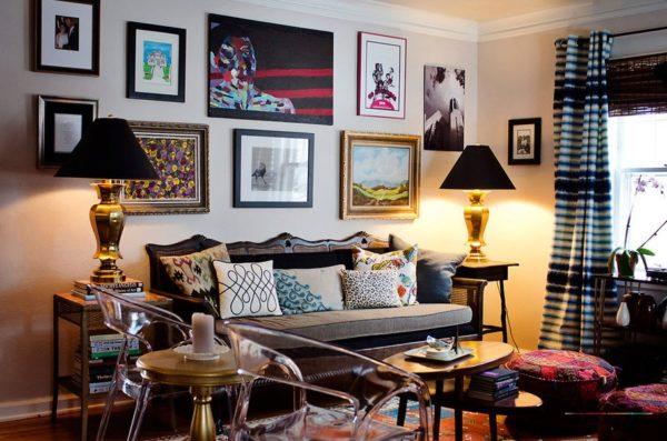 Картины — одно из лучших украшений для стены.