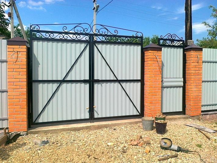Ворота из кирпича