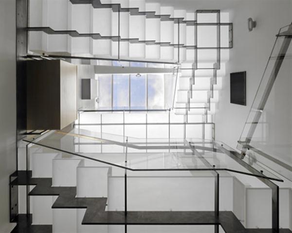 Контемпорари-лестница