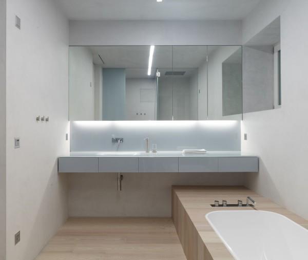 Маленькая ванна в стиле минимализм