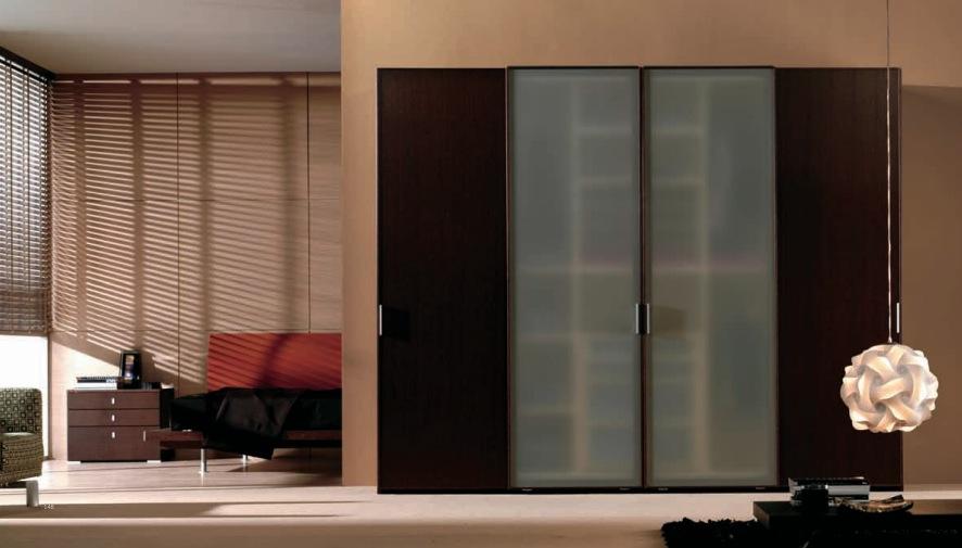 Матовые двери в гардеробную