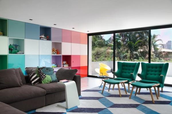 Многоцветный интерьер