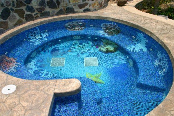 Мозаичные панно украсят ваш бассейн и сделают его уникальным.