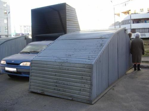 На фото компактные пеналы с откидывающейся крышей — самый компактный вариант ракушки