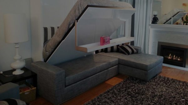 На фото — конструкция три в одном: софа, ложе и шкаф.
