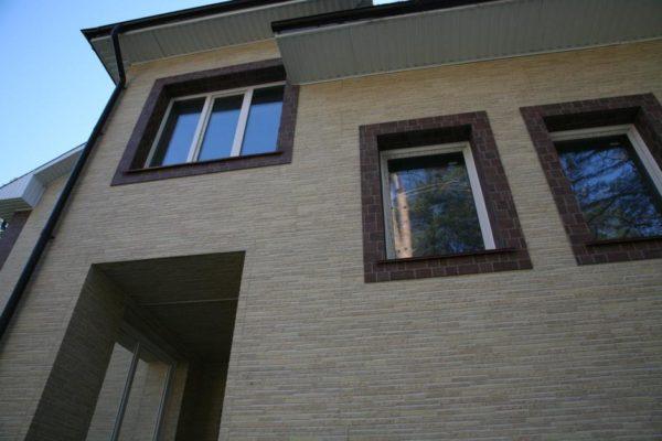 Обшитый фиброцементными панелями фасад может прослужить 40-50 лет