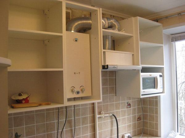 Интерьер кухонь с газовой колонкой
