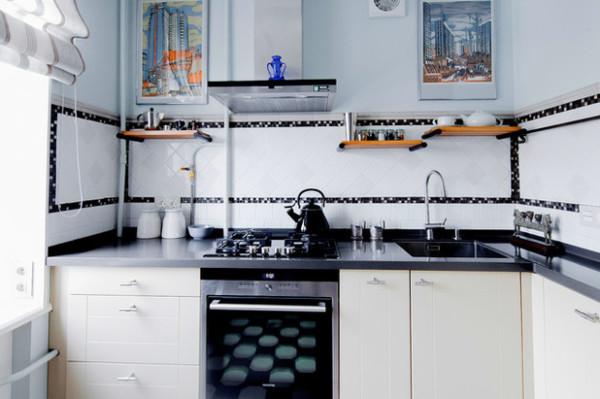 Основные цвета кухни: черный, белый, коричневый