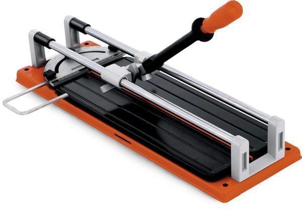 Плиткорез позволяет быстро и качественно разрезать плитку