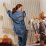 Поклейка обоев на стену: инструкция к действию