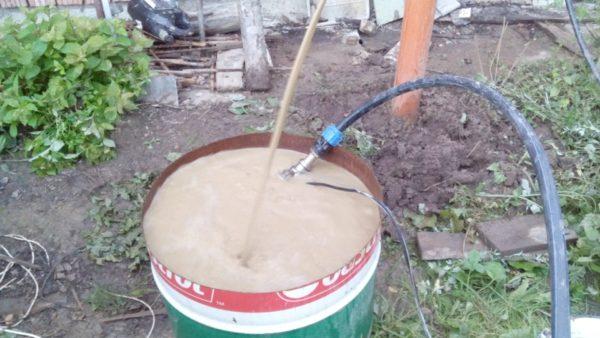 При прокачке нужно удалить всю загрязненную воду и максимум песка