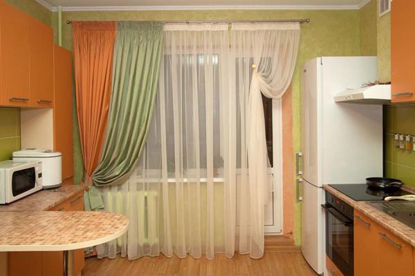 Пример дизайна кухонных штор