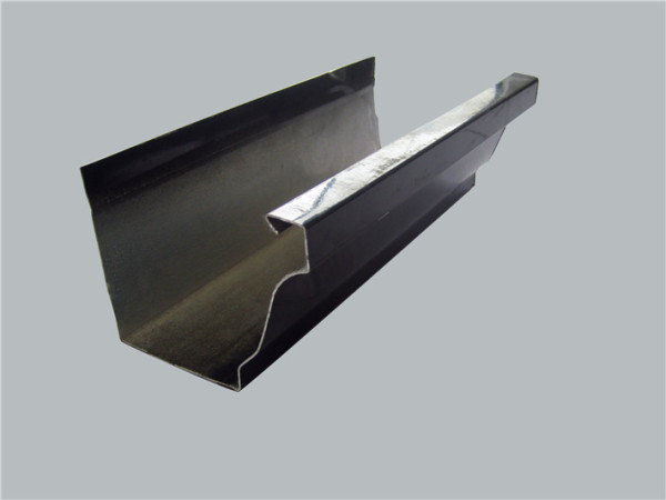Пример металлического желоба, изготовленного при помощи листогиба