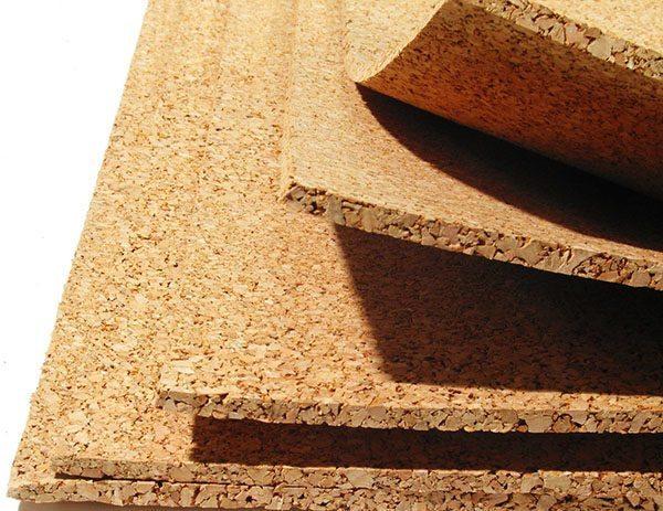 Пробковая подоснова толщиной 3-4 мм — лучшее решение для линолеума по соотношению стоимости и изоляционных характеристик
