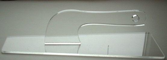 Прозрачная терка позволяет видеть, как выравнивается поверхность