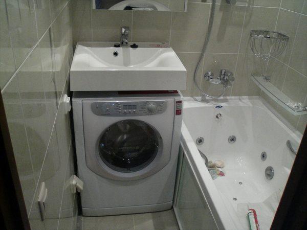 Раковина кувшинка позволит установить в ванной комнате стиральную машинку