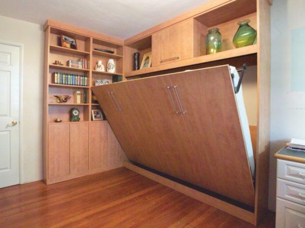 Раскладная мебель под заказ для маленькой спальни.