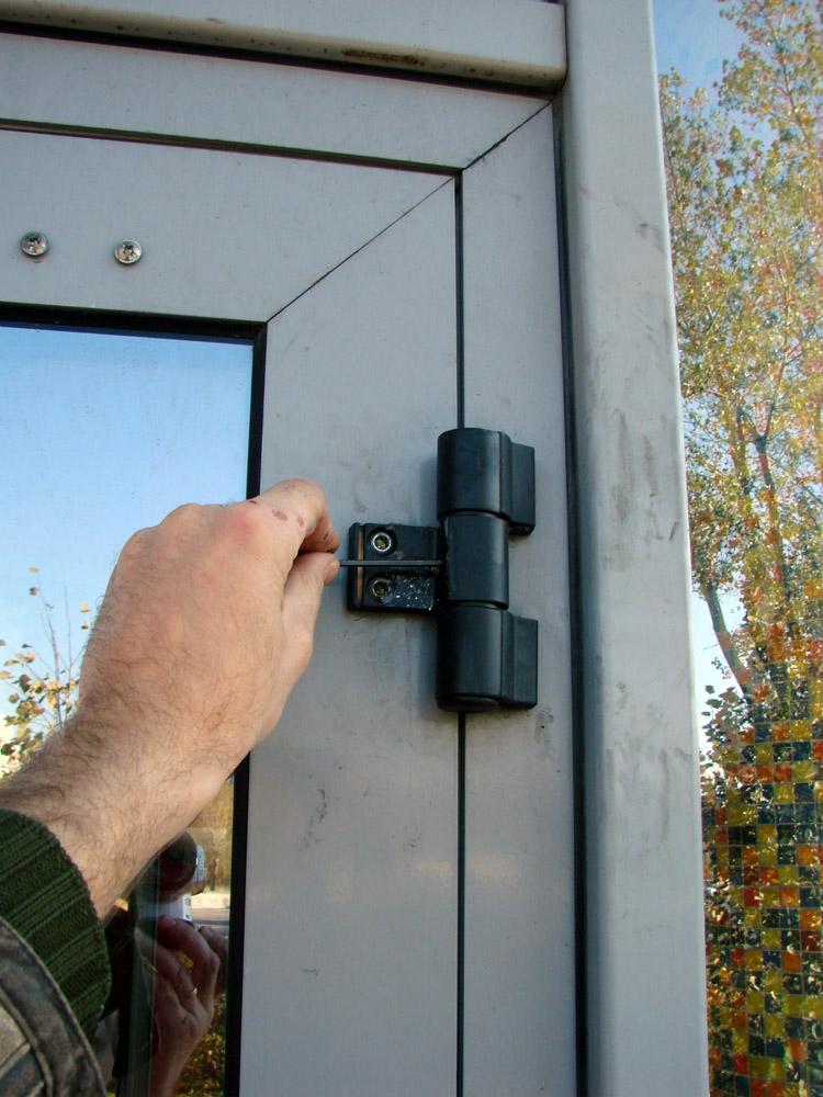 Регулировка пластиковых дверей самостоятельно, инструкция.