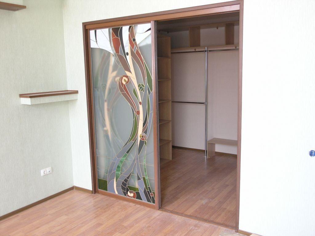 Сделать встроенный шкаф купе с раздвижными дверями своими руками