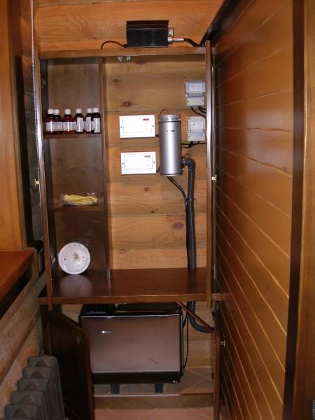 С электрическим парообразователем гораздо проще намного проще обустроить баню и наладить её работу