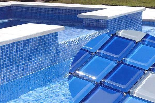 Стеклянная мозаика почти не поглощает воду.