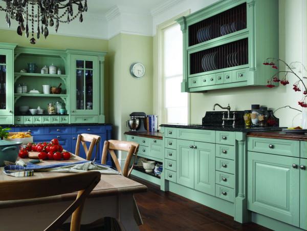 Цвет кухни, выбранный на основе летней палитры
