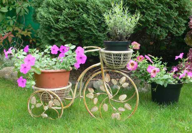 Подставка для цветов металлическая садовая