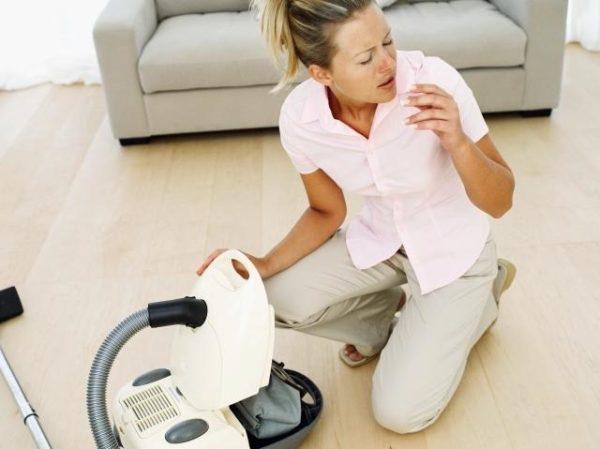 В отличие от обычного аппарата, пылесос с водяной колбой способен помочь аллергикам.