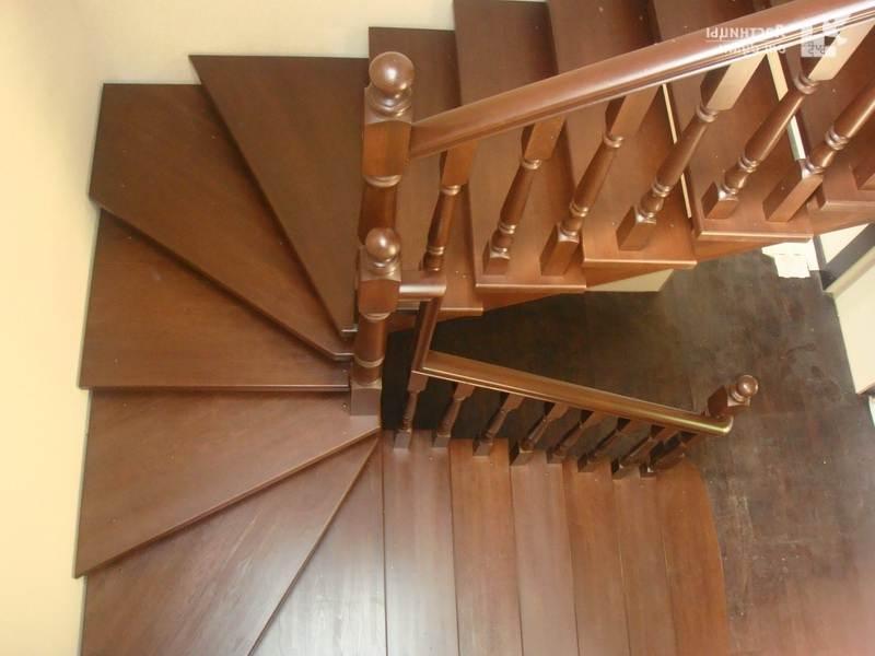 Как сделать деревянную лестницу с забежными ступенями